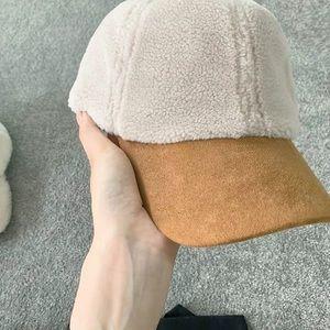 NWOT sherpa hat